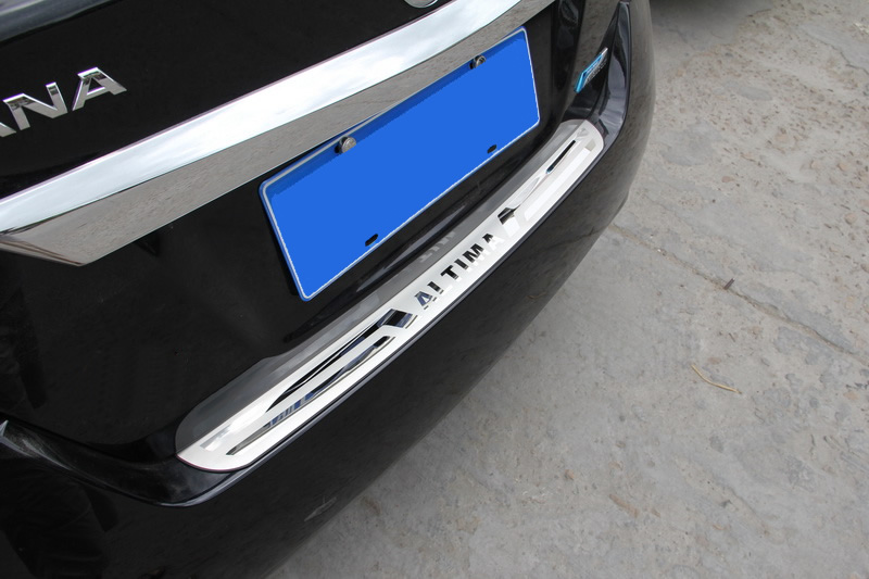 2013 Nissan Altima Stainless Steel Rear Bumper Protector